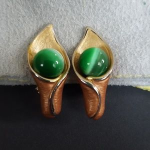Vintage Calla Lily Clip On Earrings